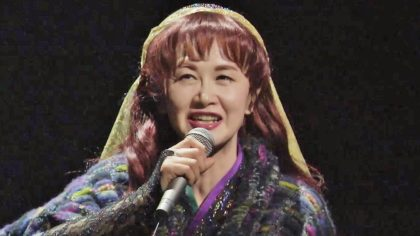 代表曲が9曲ある歌手、中島みゆきしかいない
