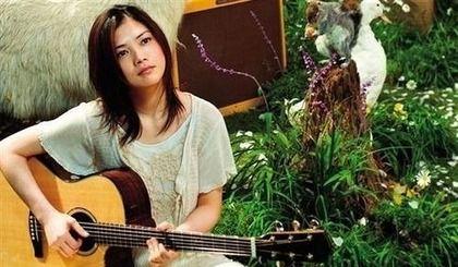YUIの「恋しちゃったんだ。多分、気づいてないでしょう」という歌詞
